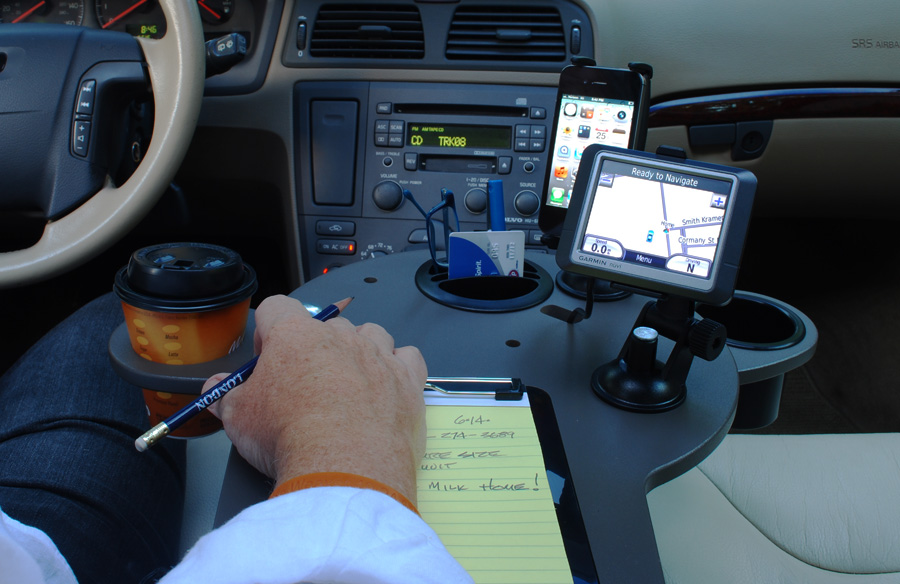 journidock-with-phone-and-gps-desk-for-car-and-truck