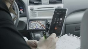 Safer phone calls in your car with JourniDock